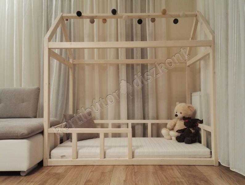 Házikó gyerekágy